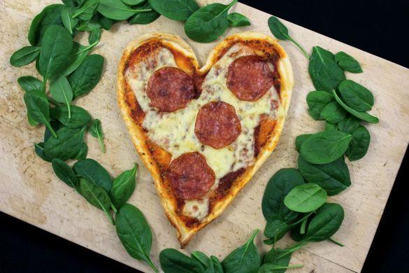Valentinstag Herz-Pizza