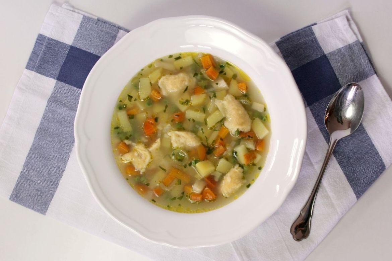 Gemüsesuppe mit Eintropf