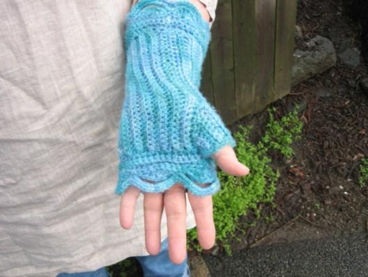 Half Moon Mitt (crochet) shown palm up