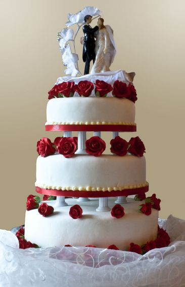 Top-Tier-if-Wedding-Cake-Was-Saved-To-Announce-Birth-Of-First-Child