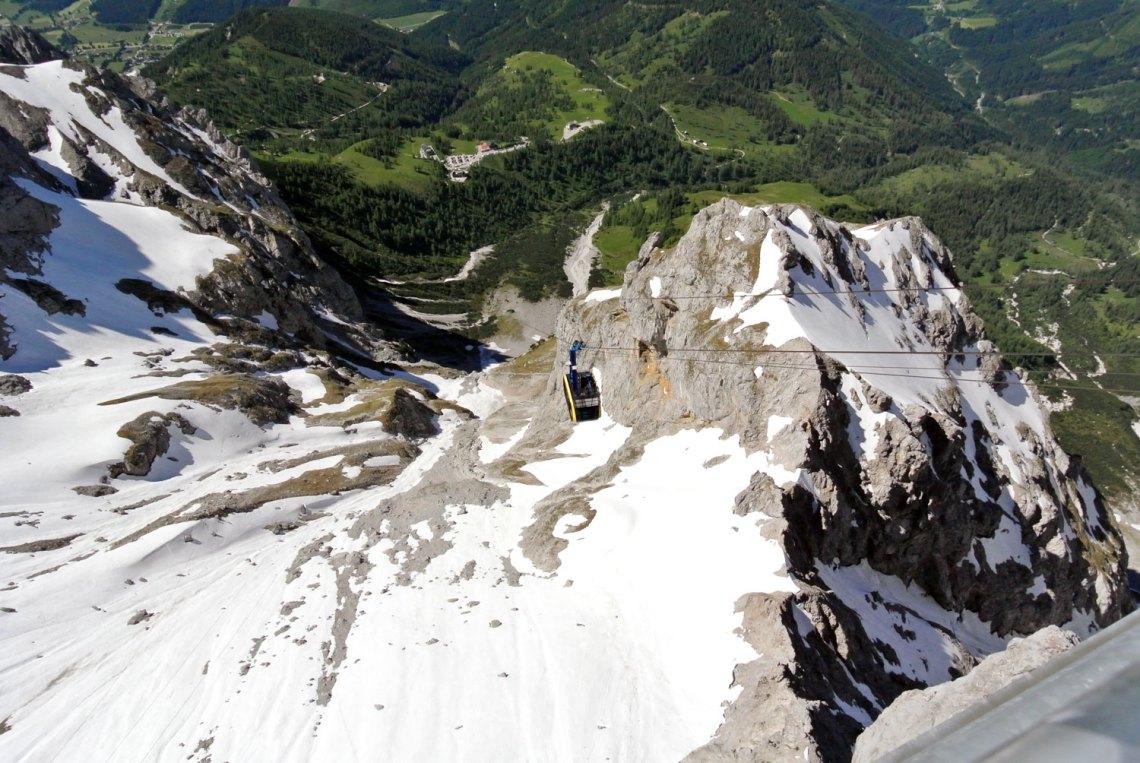 Gondel auf den Dachstein Gletscher