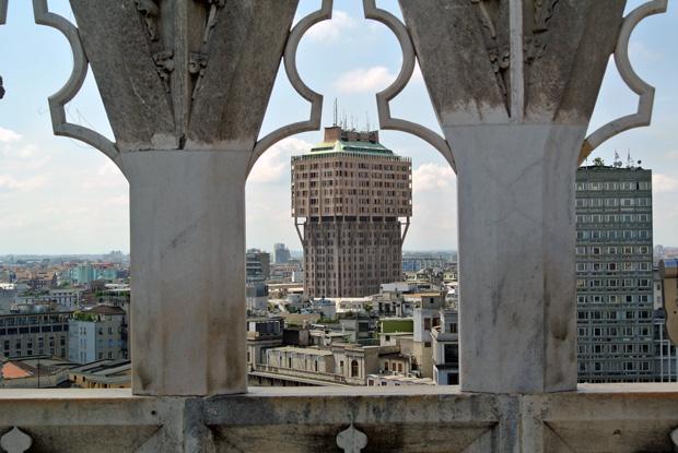 Blick vom Mailänder Dom auf das Torre Velasca