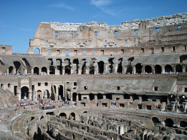 Im Coloseum in Rom