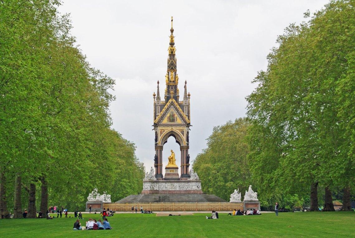 Albert Memorial in den Kensington Gardens London