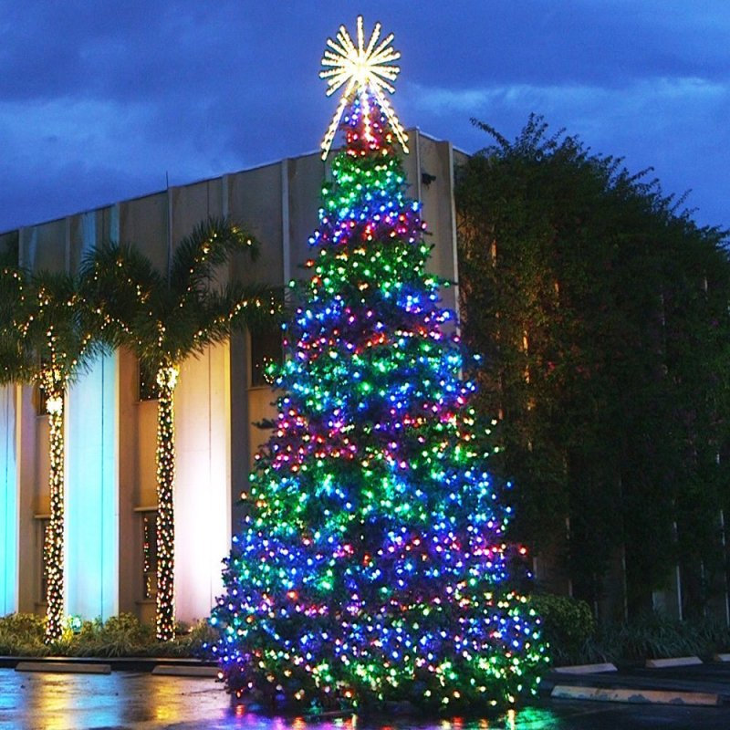 Commercial Outdoor Christmas Tree Lights: Large Scale Commercial Christmas Decorations
