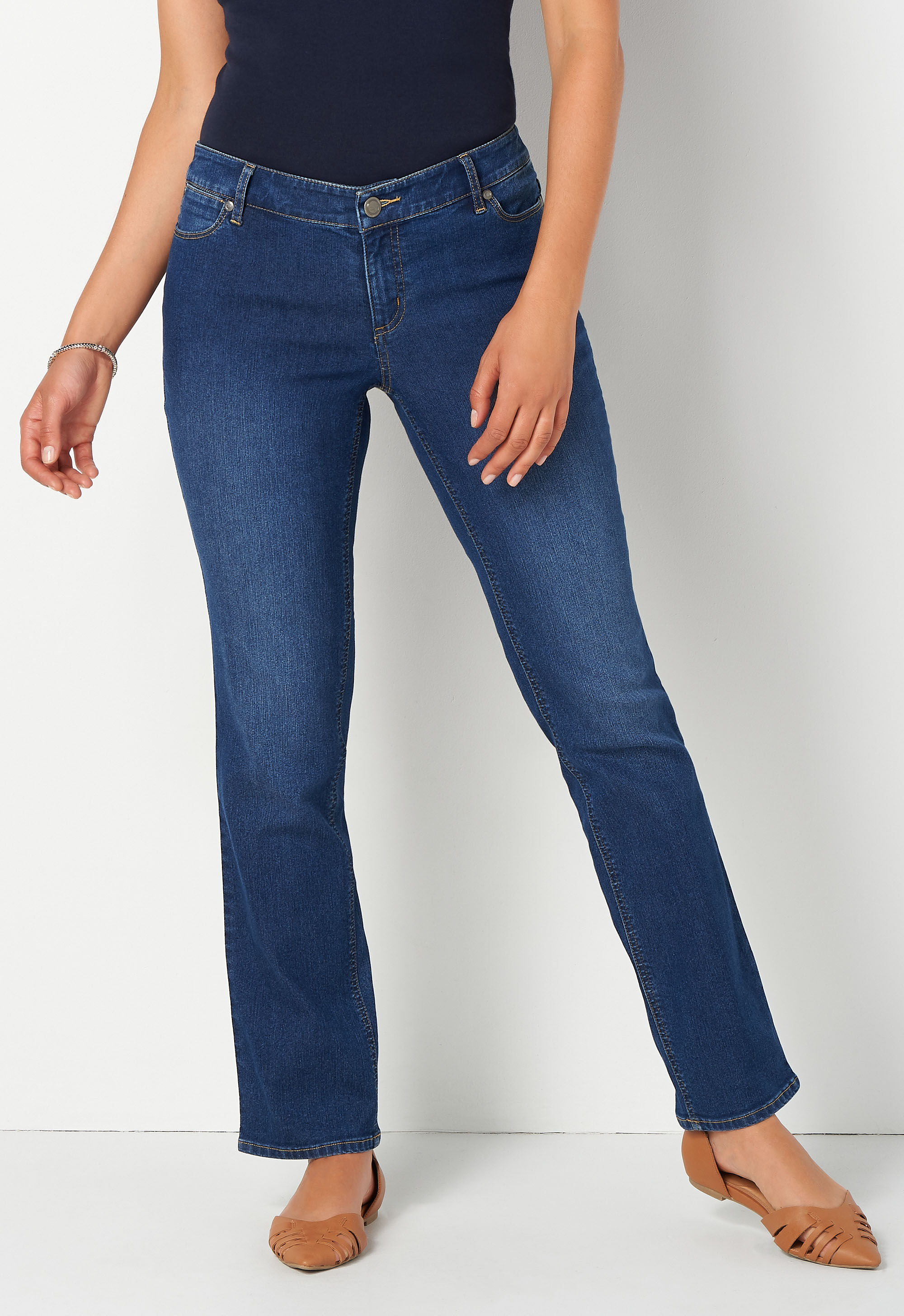 Everyday Straight Jean Short Straight Fit 8