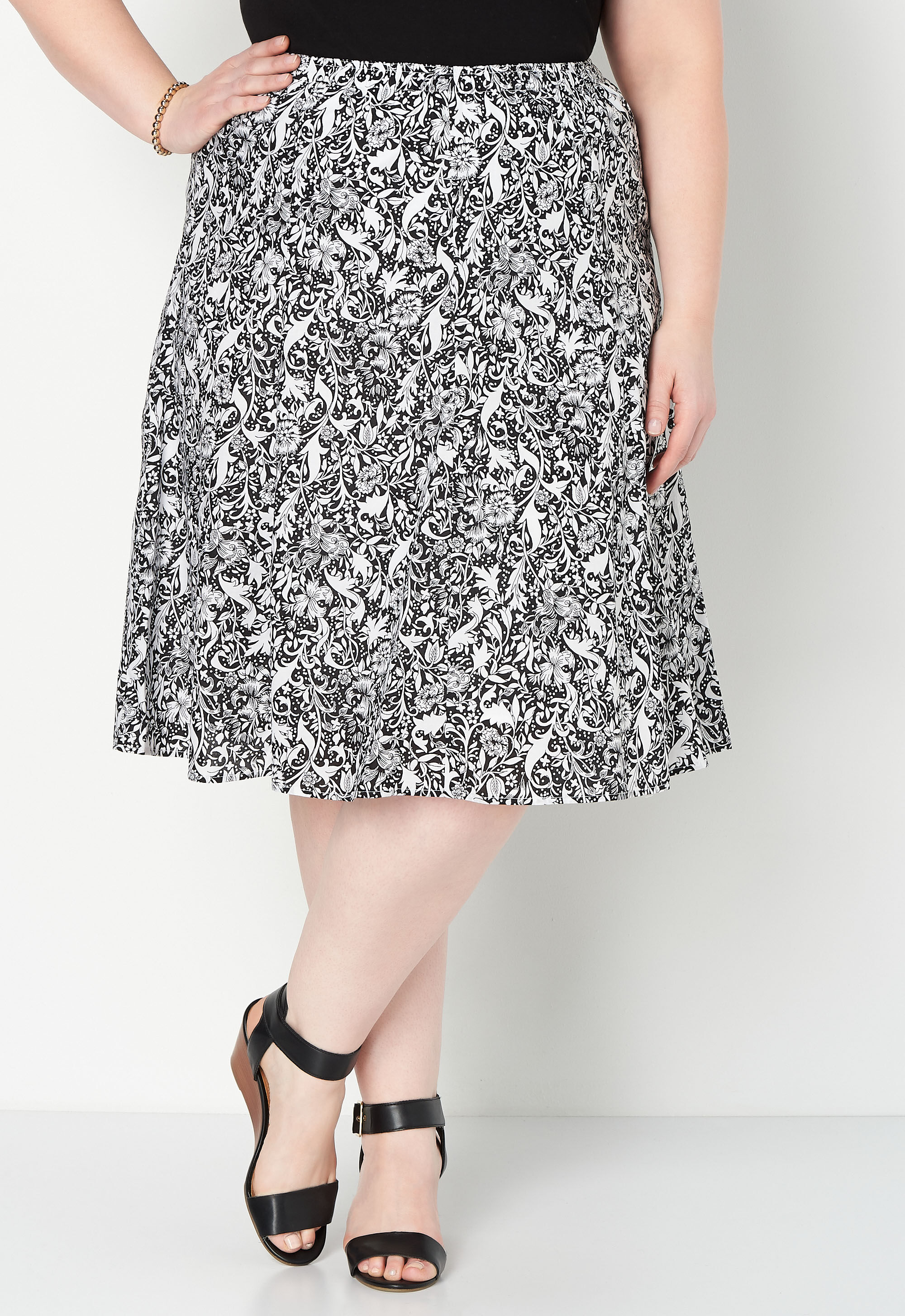 Black and White Floral Plus Size Skirt 6