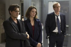 Johnny Depp, Rebecca Hall et Paul Bettany dans Transcendence