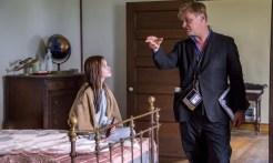 Mackenzie Foy et Christopher Nolan pendant le tournage d'Interstellar