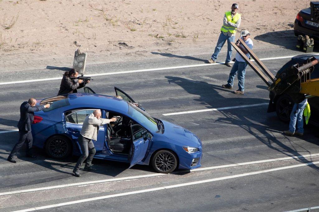 Une fusillade pendant le tournage de Tenet sur Laagna tee, Estonie, le 25 juillet 2019