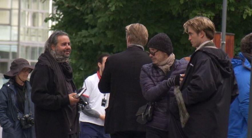 Hoyte van Hoytema, Christopher Nolan et Robert Pattinson pendant le tournage de Tenet à Oslo, Norvège, le 5 septembre 2019