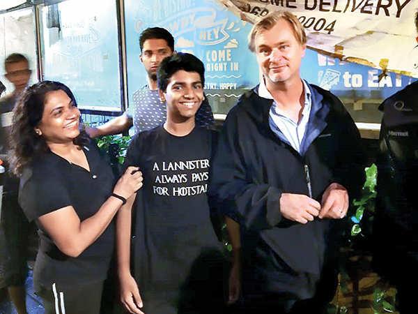 Christopher Nolan pendant le tournage de Tenet à Mumbai, Inde