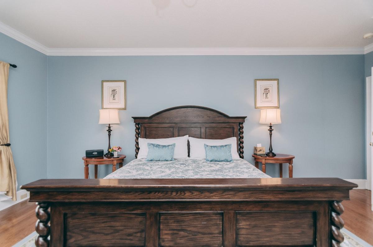Mountain Sunrise Room - Christopher Place Resort - 4