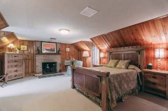 Woodland Escape Room - Christopher Place Resort 2