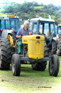 473A5614ChristowTractorsedited