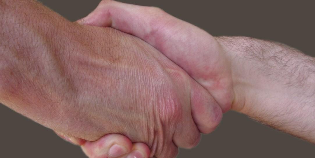 handshake-4212885_1920(1)