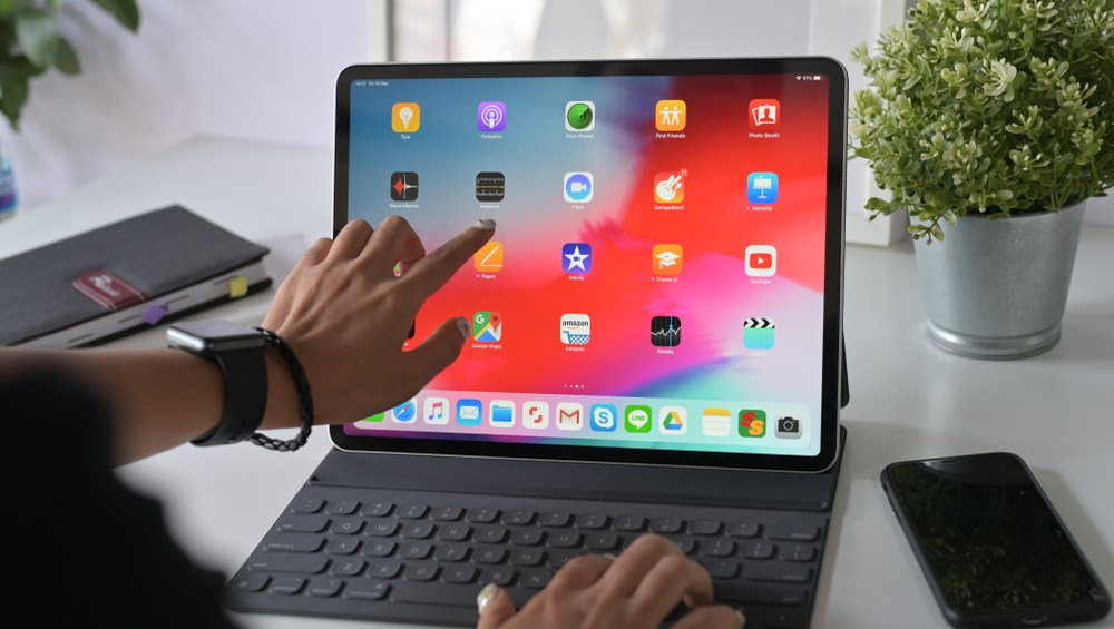 Apple to refresh iPad line with new 10.8-inch model in ...