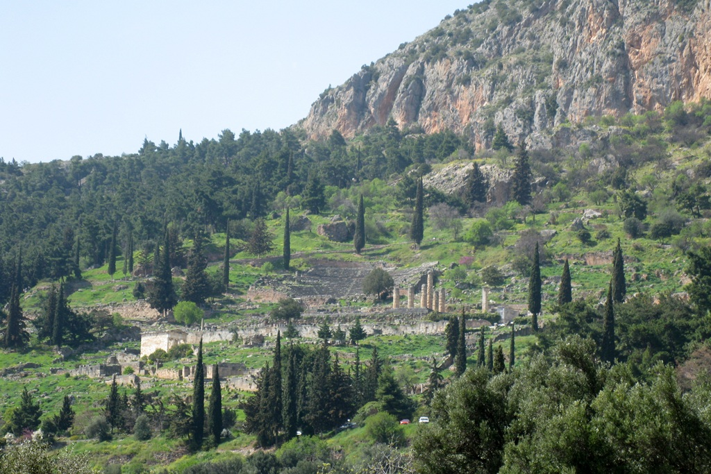 Delphi must see greece