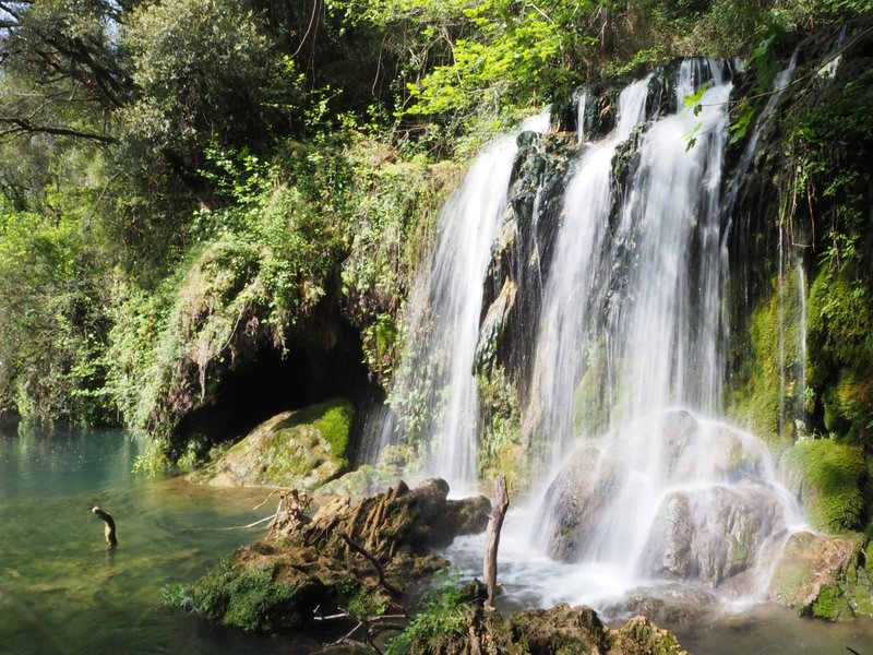 Gorg del Moli dels Murris natural pools waterfall