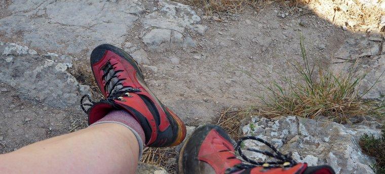 wadi qelt hiking