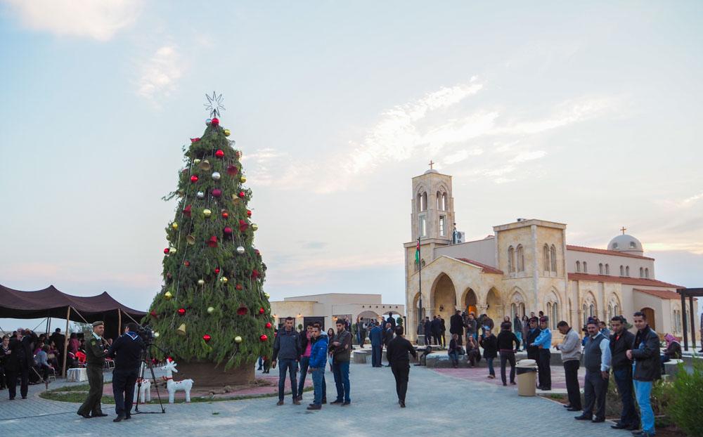 Christmas Tree Lightening Jordan