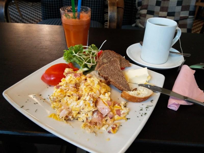Frühstück Kawiarnia Kafka Warschau