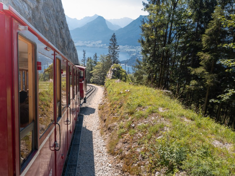 Schafbergbahn with views of Wolfgangsee