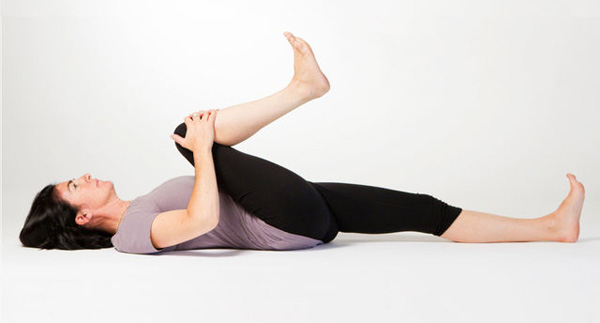 chronic lower back pain exercise knee to chest