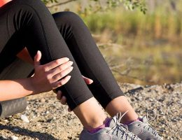 what vitamin deficiency causes muscle twitching
