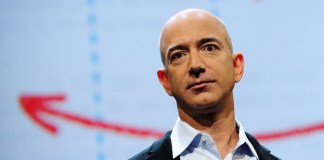 Jeff Bezos has accused the National Enquirer of blackmail