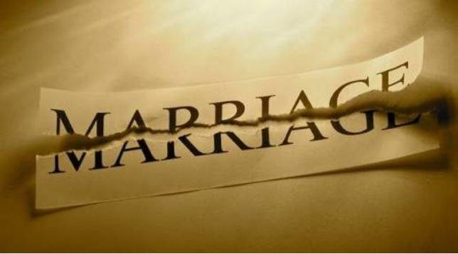 Grace Adekunle and Pastor Adeyemi Adekunle have dissolved their 18-year marriage