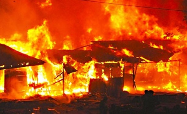 Fire has razed over 270 shops at Jos main market in Plateau state, northern Nigeria