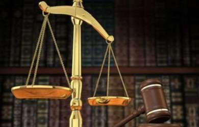 Court orders return of lawmakers