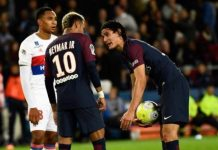 Neymar and Cavani try to decide who takes a penalty against Lyon