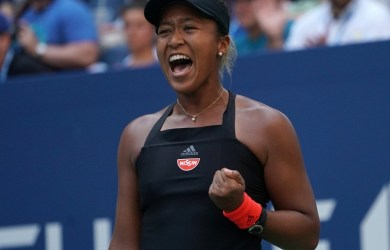 Naomi Osaka beat Serena Williams in straight sets to win first #USOpen
