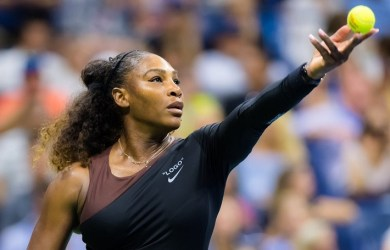 Serena Williams is through to the semi-final of the US Open