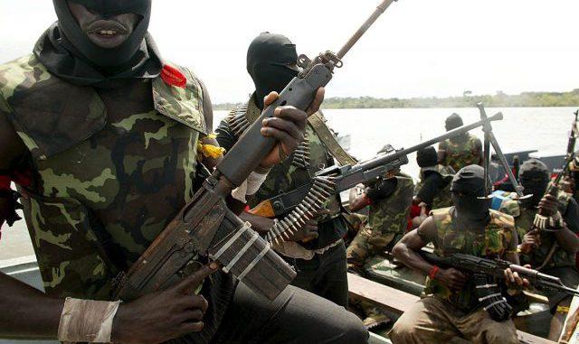 Gunmen storm Somali hotel