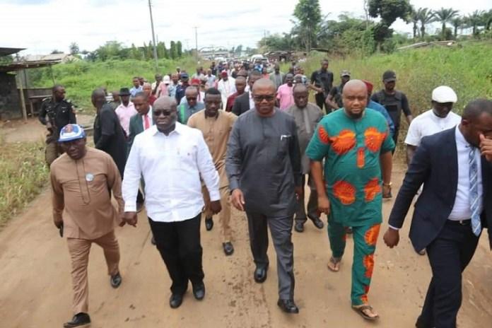 Peter Obi, Governor Okezie Ikpeazu and Sen Eyinnaya Abaribe visited the Osisioma pipeline inferno site in Abia