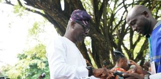 Babajide Sanwo-Olu casting his vote in the governorship election in Lagos on Saturday