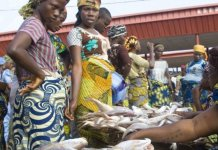 Federal Government has agreed that markets in Lagos, FCT and Abuja be opened for four hours