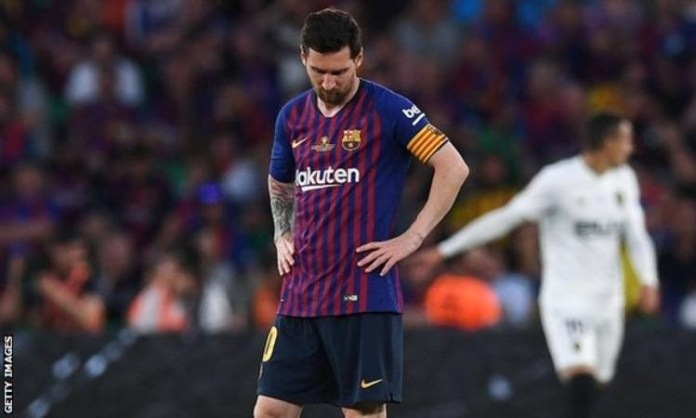 Lionel Messi injured after winning FIFA Best Footballer Award
