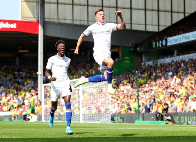 Mason Mount and Tammy Abraham both scored as Chelsea beat Norwich 3-2