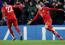 Serge Gnabry and Robert Lewadowski celebrate Bayern's third goal of the night