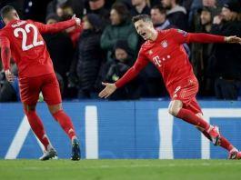 Serge Gnabry and Robert Lewadowski celebrate Bayern's third goal of the night