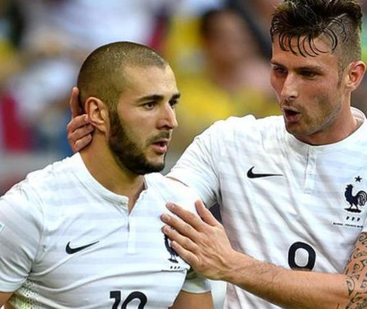 Karim Benzema (left) played alongside Olivier Giroud at the 2014 World Cup for France