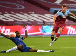 Andriy Yarmolenko scored a late goal to help West Ham do a double over Chelsea