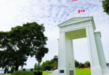 The Peace Arch was erected in 1921, to commemorate the Treaty of Ghent, which ended the War of 1812