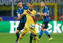 Arturo Vidal playing for Barcelona against Inter Milan in UCL