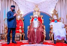 Vice President Yemi Osinbajo paid a courtesy visit to the palace of the Sultan of Sokoto, His Eminence Muhammadu Sa'adu Abubakar III. He was accompanied by Governor Aminu Tambuwal