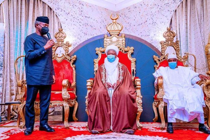 Vice President Yemi Osinbajo paid a courtesy visit to the palace of the Sultan of Sokoto, His Eminence Muhammadu Sa'adu Abubakar III. He was accompanied by Governor Aminu Tambuwal